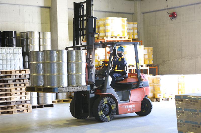 危険物から定温まで幅広い荷物の 保管が可能