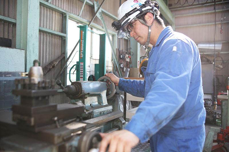 真空ポンプ、多段ポンプ、ブロワ、タービン、圧縮機など、回転機械のオーバーホール、メンテンナンスを得意としています。